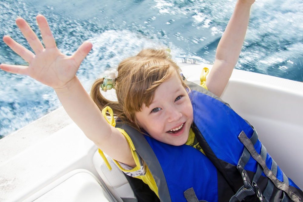 tips for safety kids on a boat holiday